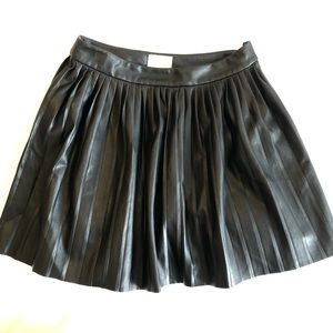 Aritzia Wilfred Pleated Leather Mini Skirt